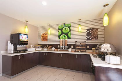 Property amenity | La Quinta Inn & Suites by Wyndham Knoxville North I-75