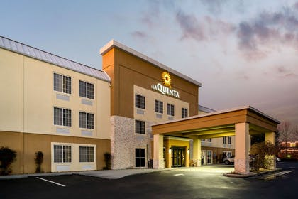 Exterior | La Quinta Inn & Suites by Wyndham Knoxville North I-75