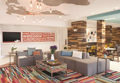 Lobby | La Quinta Inn & Suites by Wyndham Atlanta Airport North