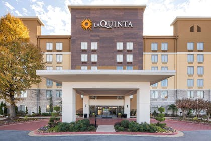Exterior | La Quinta Inn & Suites by Wyndham Atlanta Airport North