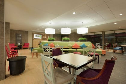 Lobby | Home2 Suites by Hilton Milwaukee Airport