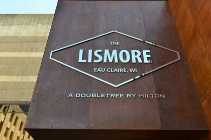 Exterior | The Lismore Hotel Eau Claire - a DoubleTree by Hilton Hotel