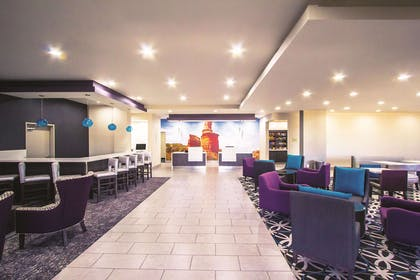 Lobby | La Quinta Inn & Suites by Wyndham Pampa
