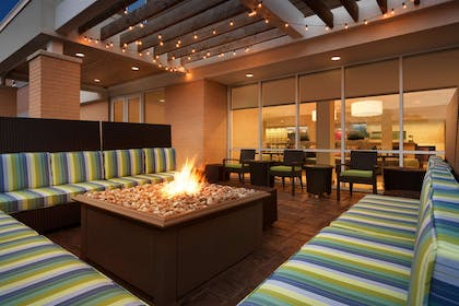 Exterior | Home2 Suites by Hilton Milwaukee Brookfield