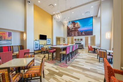 Restaurant | Hampton Inn & Suites Phoenix East Mesa