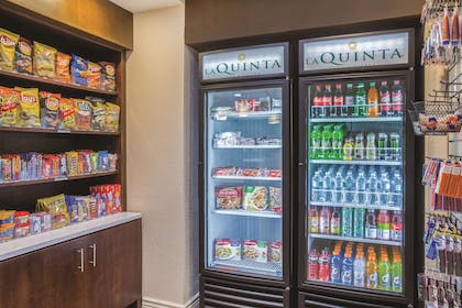 Property amenity | La Quinta Inn & Suites by Wyndham Sarasota - I75