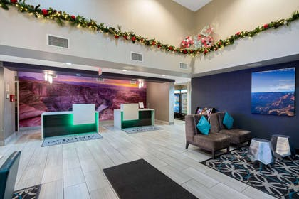 Lobby | La Quinta Inn & Suites by Wyndham Williams-Grand Canyon Area