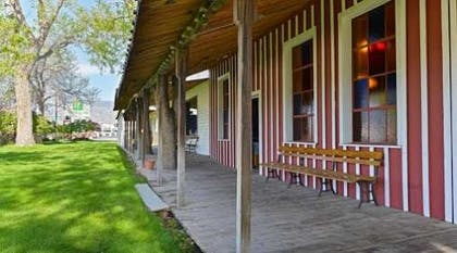 Exterior view | Buffalo Bill Village Cabins