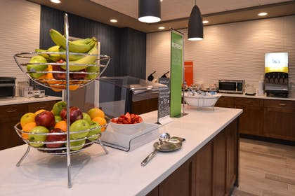 Restaurant | Hampton Inn & Suites Cincinnati-Mason