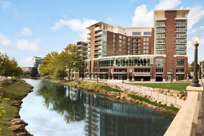 Exterior   Embassy Suites by Hilton Greenville Downtown Riverplace