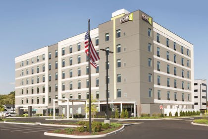 Exterior | Home2 Suites by Hilton Hasbrouck Heights