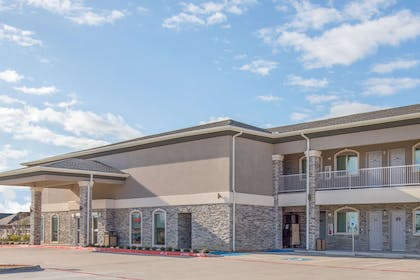 Exterior | Days Inn by Wyndham Bryan