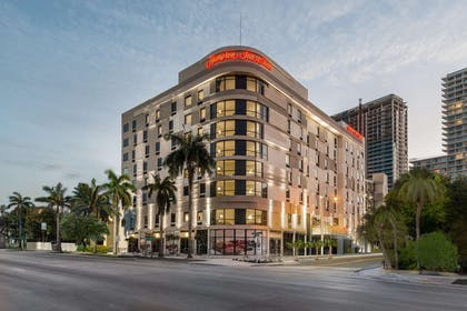Exterior | Hampton Inn & Suites Miami Midtown