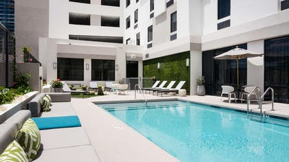 Pool | Hampton Inn & Suites Miami Midtown