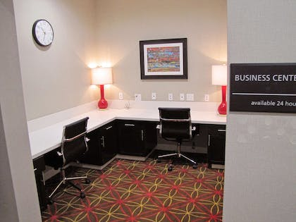 Business Center | Hampton Inn McPherson
