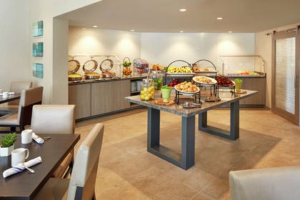 Restaurant | Hilton Garden Inn San Diego Mission Valley/Stadium
