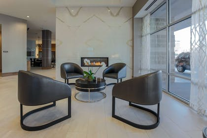 Lobby | DoubleTree by Hilton Evansville