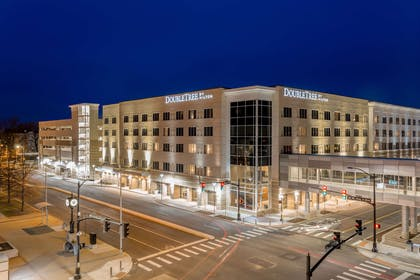 Exterior | DoubleTree by Hilton Evansville