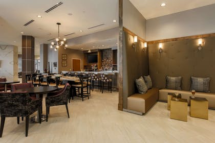 BarLounge | DoubleTree by Hilton Evansville