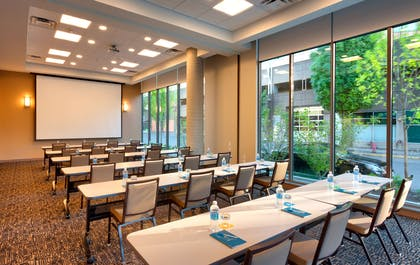 Meeting Room | Hyatt House Portland/Downtown