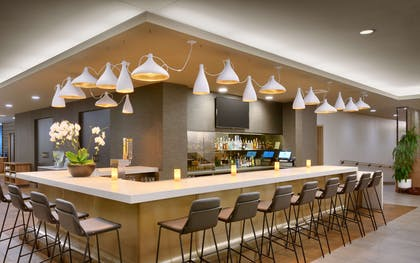Bar Lounge | Hyatt House Portland/Downtown