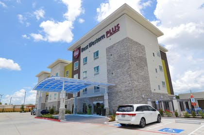 Welcome to the Best Western Plus Pasadena Inn & Suites! | Best Western Plus Pasadena Inn and Suites