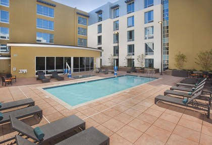 Pool | Hilton Garden Inn Burbank Downtown