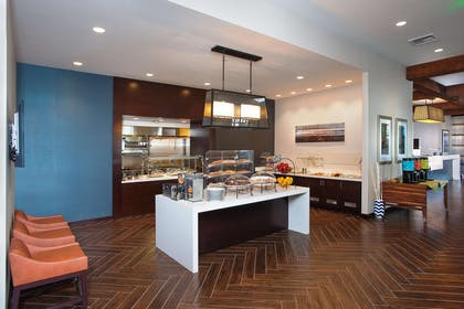 Restaurant | Hilton Garden Inn Burbank Downtown