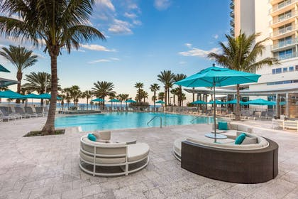 Pool | Wyndham Clearwater Beach Resort