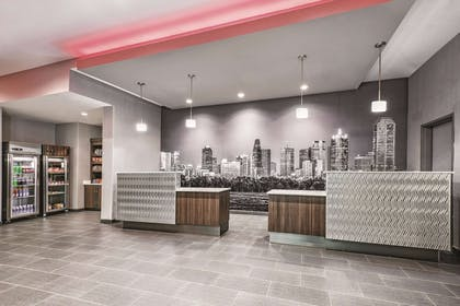 Lobby | La Quinta Inn & Suites by Wyndham Dallas Grand Prairie North
