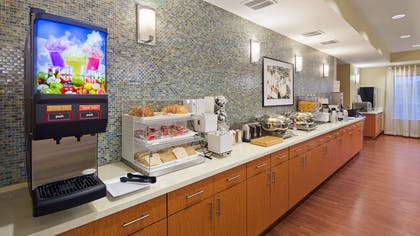 Breakfast Bar   Best Western Plus Tuscumbia Muscle Shoals Hotel and Suites