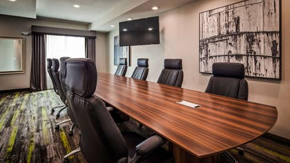 Need to schedule a meeting for business? We have space available for you and your clients. | Best Western Plus Bay City Inn & Suites