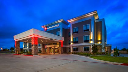 Welcome to the Best Western Plus Bay City Inn & Suites | Best Western Plus Bay City Inn & Suites