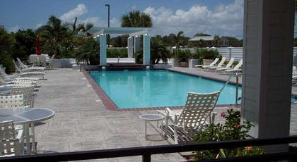 tn pool | Lighthouse Inn At Aransas Bay