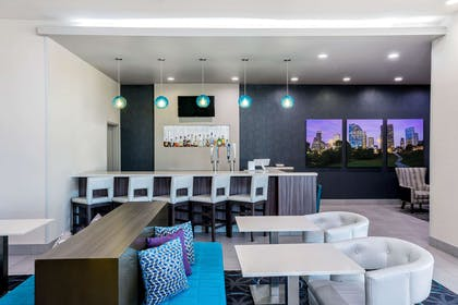 BarLounge | La Quinta Inn & Suites by Wyndham Houston Cypress