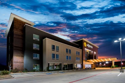 Exterior | La Quinta Inn & Suites by Wyndham Houston Cypress