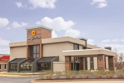 Exterior | La Quinta Inn & Suites by Wyndham Festus - St. Louis South