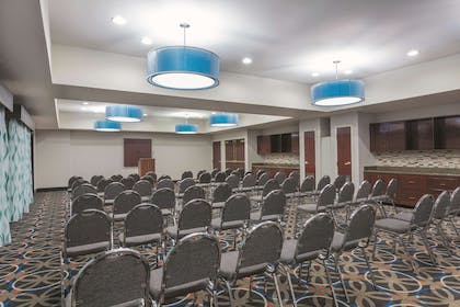 Meeting Room | La Quinta Inn & Suites by Wyndham Covington