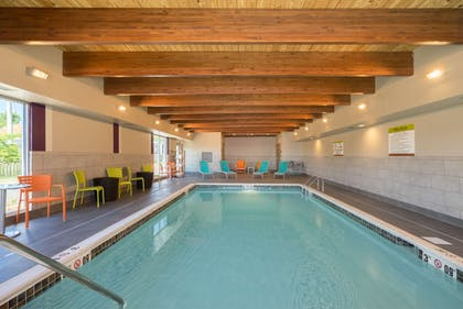 Pool   Home2 Suites by Hilton Bowling Green