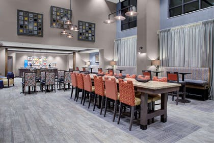Breakfast Area | Hampton Inn And Suites By Hilton Columbus Scioto Downs