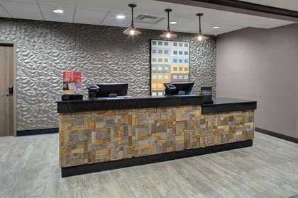 Reception | Hampton Inn And Suites By Hilton Columbus Scioto Downs