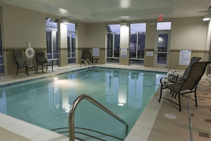 Pool | Hampton Inn & Suites Boone