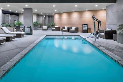 Pool | Hampton Inn & Suites Los Angeles/Hollywood