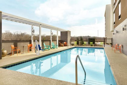 Pool | Home2 Suites by Hilton Macon I-75 North