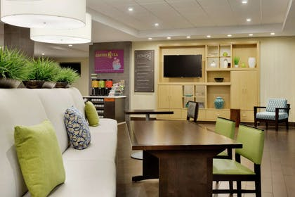 Lobby | Home2 Suites by Hilton Macon I-75 North