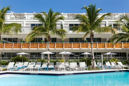 Pool | The Gates Hotel South Beach - a DoubleTree by Hilton