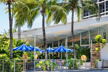 Restaurant | The Gates Hotel South Beach - a DoubleTree by Hilton