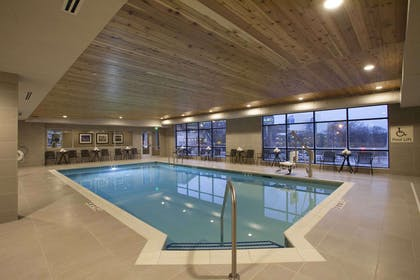 Pool | Hampton Inn & Suites Downtown St. Paul