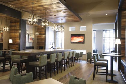 Restaurant | Hampton Inn & Suites Downtown St. Paul