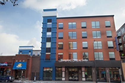 Exterior | Hampton Inn & Suites Downtown St. Paul